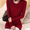 เสื้อผ้าแฟชั่นนำเข้า : เสื้อกันหนาวไหมพรม พร้อมส่ง สีแดง คอกลม แต่งลายเก๋ น่ารักๆ เหมาะสำหรับอากาศหนาวๆเลยค่ะ