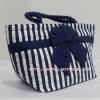 กระเป๋าถือ นารายา Size M ผ้าคอตตอน ลายทาง น้ำเงิน-ขาว ผูกโบว์ สีน้ำเงิน สายหิ้ว หูเกลียว (กระเป๋านารายา กระเป๋าผ้า NaRaYa กระเป๋าแฟชั่น)