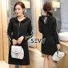Sevy Sporty Hoody Mini Dress Type : Mini Dress Fabric : Cotton Spandex Detail : เดรสสั้นแนวสปอร์ต แต่งคลิบขาวสองเส้นตัดพื้นดำ แอบน่ารักตรงฮู๊ดด้านหลัง ซิปหน้า