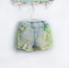 กางเกงยีนส์ขาสั้น สไตล์เกาหลีแนวๆ ด้วยลายตัดผ้าสีเขียว