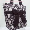 กระเป๋าสะพาย นารายา ผ้าคอตตอน สีน้ำตาล พิมพ์ลายดอกไม้ ผูกโบว์ (กระเป๋านารายา กระเป๋าผ้า NaRaYa กระเป๋าแฟชั่น)