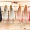 Jelly Shoes รองเท้ายอดฮิตหนึ่งในดวงใจของใครหลายๆคน เพราะใส่ง่าย แมตซ์กับเสื้อผ้าง่าย ลักษณะรองเท้าที่ยืดหยุ่นคล้าย Jelly กันน้ำ ลุยได้ทุกที่ ทนทาน ใส่ได้นานนมจนลูกโตกันไปเลยล่ะ จุดเด่น โบว์คริสตัลสไตล์แบรนด์ Feragamo คลาสสิค สวย เรียบหรู ผิวสัมผัสกับฝ่าเท