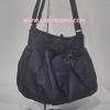 กระเป๋าสะพาย นารายา ผ้าเดนิม สียีนส์ดำ ประดับโบว์ด้านหน้า (กระเป๋านารายา กระเป๋าผ้า NaRaYa กระเป๋าแฟชั่น)