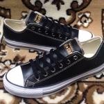 รองเท้าผ้าใบ Converse หนังสีดำ