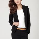 พรีออเดอร์ เสื้อสูทแฟชั่นสไตล์เกาหลี สวยเรียบเนี้ยบ คอวี มีปก แขนยาว ติดกระดุมเม็ดเดียว กระเป๋าข้างเจาะ มีผ้าซับใน เสื้อสูทสั้นความยาวแค่สะโพกบน ผ้าฝ้ายผสม สีดำ