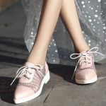 """""""พรีออเดอร์"""" รองเท้าแฟชั่นผู้หญิง ส้นเตี้ย หัวแหลม หนังแท้ ผสมผ้าลูกไม้ สีชมพู Brand: Xuan Hong Mi"""