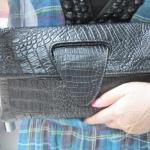 กระเป๋าคลัทช์ แฟชั่นกระเป๋าถือผู้หญิง แฟชั่นมาใหม่สไตล์ยุโรป-อเมริกา หนังแท้ หนังนิ่มปั้มลายหนังจระเข้ สีดำ ขนาดใหญ่ พับได้
