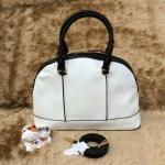 ***พร้อมส่ง*** New collection!! Zara Lady city bag กระเป๋าถือทรงโค้งสวย สีขาวตัดดำ คลาสสิค มาพร้อมสายสะพายยาว ภายในกว้างใส่ของได้จุใจคะ
