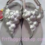 รองเท้า Fitflop  Fleur Strap Black ดอกไม้ 5 ดอก รัดส้น สีทอง No.FF433