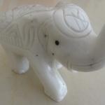 ช้าง ขนาดสูง 8 เซนติเมตร กว้าง 10 เซนติเมตร 1 ตัว