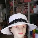 หมวกถัก โครเชต์ เชือกร่ม สีขาวคาดดำ