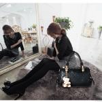 พรีออเดอร์ กระเป๋าถือผู้หญิง กระเป๋าสะพายไหล่ หรือสะพายข้าง กระเป๋าแฟชั่นเกาหลี สีดำ