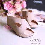 รองเท้าเตารีดแบบสวมหน้าไขว้ วัสดุผ้าสักหลาดเนื้่อนิ่มส้นสูงประมาณ 2 นิ้ว