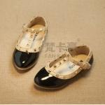 รองเท้าเด็ก สไตล์วาเลนติโน่ สีดำ
