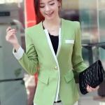 เสื้อผ้าแฟชั่นนำเข้า : เสื้อสูทแฟชั่น พร้อมส่ง แขนยาวแต่งแขนพับ เข้ารูป สีเขียว คอวีลึก แต่งขลิบสีขาวเก๋ๆ งานสวยดีไซน์เก๋มากๆ แต่งกระเป๋าหลอก 2 ข้าง ดีเทลกระดุมสุดเก๋ เสริมหัวไหล่เข้ารูป เนื้อผ้าดี งานเนี๊ยบ