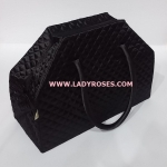 กระเป๋าเดินทาง นารายา ผ้าซาติน สีดำ ทรงสี่เหลี่ยมคางหมู (กระเป๋านารายา กระเป๋า NaRaYa กระเป๋าผ้า)