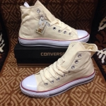 รองเท้าผ้าใบ Converse หุ้มขีอ สีครีม