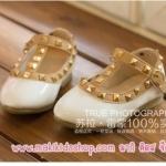 รองเท้าเด็ก สไตล์วาเลนติโน่ สีขาว