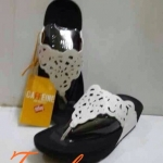 รองเท้า fitflop FLORA (ฟอร่า)สีขาว590บาท