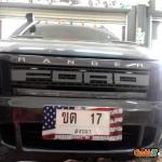 กรอบป้ายทะเบียนรถยนต์ (มีอะคริลิคใสปิดตรงกลาง) แบบยาว 18.5 นิ้ว ลายธงชาติอเมริกา