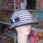 หมวกถัก โครเชต์ ลายริ้วขาว-ดำ