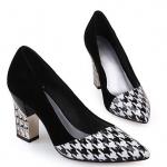 Pre-order รองเท้าแฟชั่นส้นสูง รองเท้าใส่ทำงาน ลำลอง ลายสก๊อตขาว-ดำ