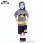 ( 3-4-5 ปี ) ชุดแฟนซี เด็กผู้ชาย Bat Man เสื้อแขนสั้นสีเทา สกรีนลายBat Man มีหมวก(ฮู้ด)สกรีนลายหน้ากาก มีไฟกระพริบตรงหน้าอก กางเกงขาสั้นสีดำ ชุดสุดเท่ห์ ใส่สบาย ลิขสิทธิ์แท้ (สำหรับเด็ก3-4-5 ปี)