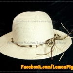 หมวกสาน คุณนาย สีขาวครีม พันเชือกน้ำตาล ครีม ร้อยลูกปัด สวยหวานมากๆ