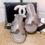 พร้อมส่ง รองเท้าแตะ ส้นแบน สไตส์ Hermes พื้นนุ่ม ใส่สบายเท้า ดาราเซเลปใส่กัน วัสดุพียูอย่างดี