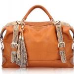 (Pre-order) กระเป๋าหนังแท้ กระเป๋าสะพายผู้หญิง หนังแท้ปั้มลายหนังงู แบบคลาสสิค สไตล์ยุโรป อเมริกา สีน้ำตาล