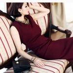 Pre-Order ชุดเดรสผู้หญิงทำงาน ชุดกระโปรงทรงดินสอ เสื้อคอกลม แขนกุด แฟชั่นเสื้อผ้าเกาหลี สีไวน์แดง