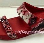 รองเท้า Fitflop New สวม ลายดอกไม้หนังมัน สีแดง No.FF284