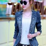 พรีออเดอร์ เสื้อสูทแฟชั่นเกาหลี เสื้อสูทผู้หญิง เสื้อยีนส์ผู้หญิง ประดับหมุดสีขาวที่ปกเสื้อ แขนยาว มีปก