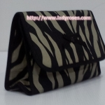 กระเป๋าเครื่องสำอางค์ นารายา ผ้าคอตตอน ลายม้าลาย สีดำ-น้ำตาล มีกระจกในตัว Size L (กระเป๋านารายา กระเป๋าผ้า NaRaYa)