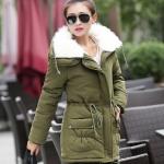 เสื้อกันหนาวแฟชั่นเกาหลี : เสื้อกันหนาว พร้อมส่ง สีเขียวขี้ม้า มีซิปหน้า แต่งซับในด้วยผ้าขนสัตว์ เก๋ๆ ช่วงคอเสื้อแต่งด้วยผ้าขนสัตว์นิ่มๆ แฟชั่นมาใหม่สไตล์เกาหลี