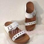 รองเท้า Fitflop New สวม เข็มขัด ปักหมุดเงิน สีขาว No.FF428