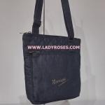 กระเป๋าสะพาย นารายา ผ้าเดนิม ทรงสี่เหลี่ยม สียีนส์ดำ มีโลโก้นารายาด้านหน้า (กระเป๋านารายา กระเป๋าผ้า NaRaYa กระเป๋าแฟชั่น)