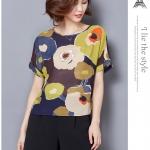 Pre-order เสื้อผ้าชีฟอง คอปาด แขนสั้นแค่ศอก พิมพ์ลายดอกไม้ดอกใหญ่ ๆ สีเหลืองดำ