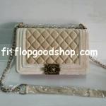 กระเป๋าแบรนด์เนม  Chanel  No.CH111