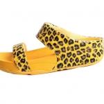 รองเท้า Fitflob Leophard Slide Yellow หนังลายเสือสวม 2 สาย สีเหลือง No.FF087