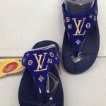 รองเท้า fitflop ลาย LVสีน้ำเงิน ราคา 570 บาท