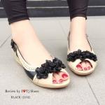 รองเท้าส้นเตารีด ทำจากหนังนิ้มนิ่ม ด้านหน้าประดับดอกไม้น่ารักๆ