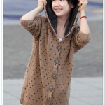 เสื้อไหมพรมนำเข้า : เสื้อกันหนาวไหมพรม พร้อมส่ง ตัวยาว สีน้ำตาล ลายน่ารักรูปหัวใจ มีฮูท ด้านในเป็นขนสัตว์สังเคราะห์ เนื้อนิ่ม น่ารักๆ