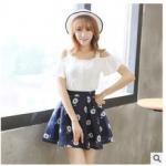 2015 ฤดูร้อนเกาหลี ใหม่ Sciascia เดรส 2ชิ้น เสื้อ เปิดไหล่สีขาว+กระโปรง ผ้าชีฟองสีน้ำเงิน พิมพ์ลายดอก สีขาว สวยน่ารักมากค่ะ