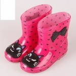 รองเท้าบูทยาง สีชมพูเข้มจุดดำ
