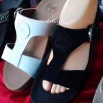 รองเท้า Fitflob New สวมเข็มขัดโลโก้ สีดำ No.FF189