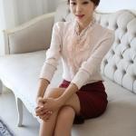 (Pre-Order) เสื้อทำงาน คอวีมีระบายรอบคอและอก แขนยาว ผ้าชีฟอง แฟชั่นสไตล์เกาหลีปี 2014