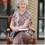 Pre-Order เสื้อผ้าผู้หญิง อายุ 60 up ผ้าพิมพ์ลายเพรสลี่โทนสีกะปิพิมพ์ลายสีแดง แขนสั้น คอกลม กระดุมหน้า