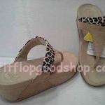 รองเท้า Fitflop New สีำครีม No.FF456