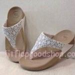 รองเท้า Fitflop New 2013 ผ้าลูกไม้ สีขาว No.FF407